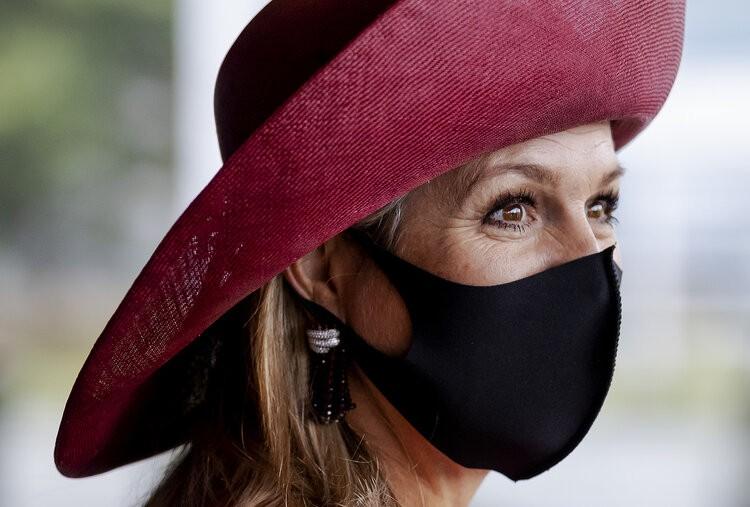 La reina Máxima de Holanda asiste a la reunión de la Asociación contra el cáncer de mama