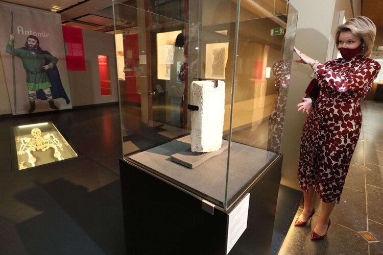 La reina Mathilde de Belgica visita el Museo Mariemont en Morlanwelz