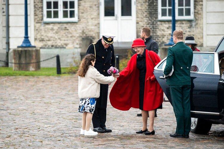 La reina Margarita II embarca en Danneborg