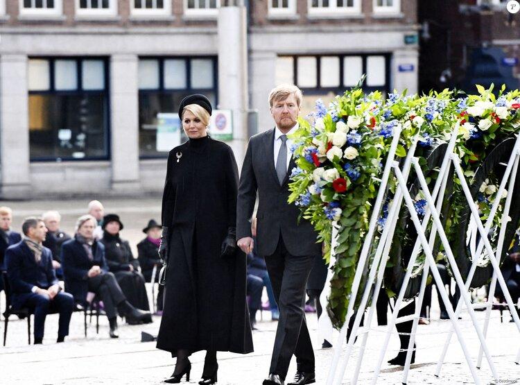 Los reyes de los Países Bajos asisten a la ceremonia del Día Nacional del Recuerdo 2021