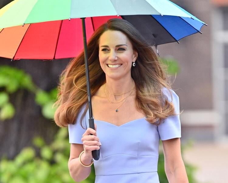 La duquesa de Cambrige asiste a la recepción del Centro para la primera infancia