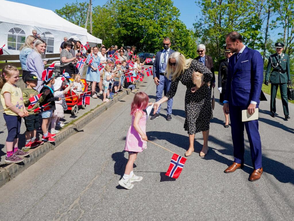 Los Príncipes Herederos de Noruega conmemoran el 250 aniversario del nacimiento de Hans Nielsen Hauge
